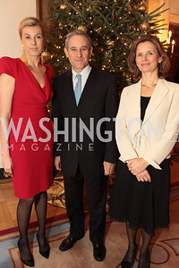 Photo by Alfredo Flores. Elizabeth de Kergorlay Francois Rivasseau Elisabeth Rivasseau . Michel Richard, Annie King Boutin . An International Evening of Excellence In Honor of Global Kids in D.C. at the Residence of the French Ambassador. December 12, 2010