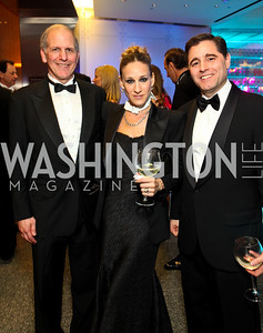 Museum of American History Director Brent Glass, Sarah Jessica Parker, Julius Genachowski. Photo by Tony Powell. Dinner for the 2009 Recipients of the Humanities Medal and the Medal of Arts. February 24, 2010