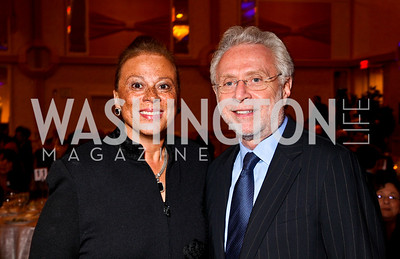 Photo by Tony Powell. Lonnie Ali, Wolf Blitzer. Parkinson's Action Network Dinner. Capital Hilton. October 6, 2010