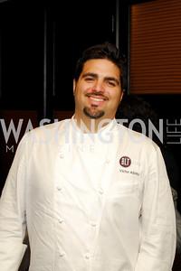 Kyle Samperton,October 26,2010,Signature Chef's Auction ,Victor Albisu