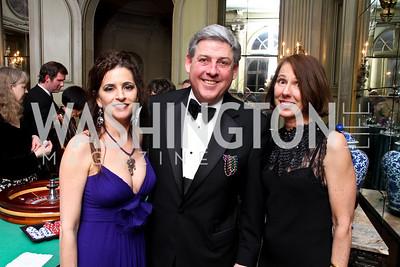 Mardis Gras Chair Maria-Elena Tierno, Larry Dunham, THIS President Lexie Ellis.