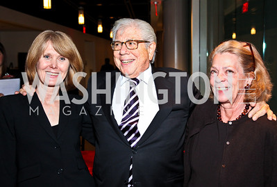 Photo by Tony Powell. Deborah Richards, Carl Bernstein, Carolyn Peachey. The 20th Anniversary Celebration of The Center for  Public Integrity. Newseum. October 21, 2010