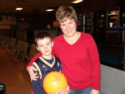 '10Park Mom Son Bowling Fun