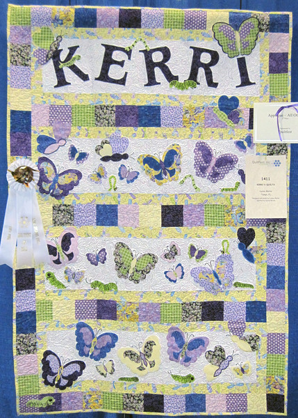 Third Place<br /> Kerri's Quilt<br /> Lynne Marks