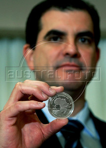 Anthero Meireles, director of Brazilian Central Bank shows a FIFA 2010 World Cup-South Africa soccer commemorative coin of five reais (close to 2,6 US dollars). Brazil was one of the countries invited by FIFA to join the program emissions coin collection of the World Cup, along with Portugal, France, Spain, Germany, Australia and several others, besides the South Africa (Austral Foto/Renzo Gostoli)
