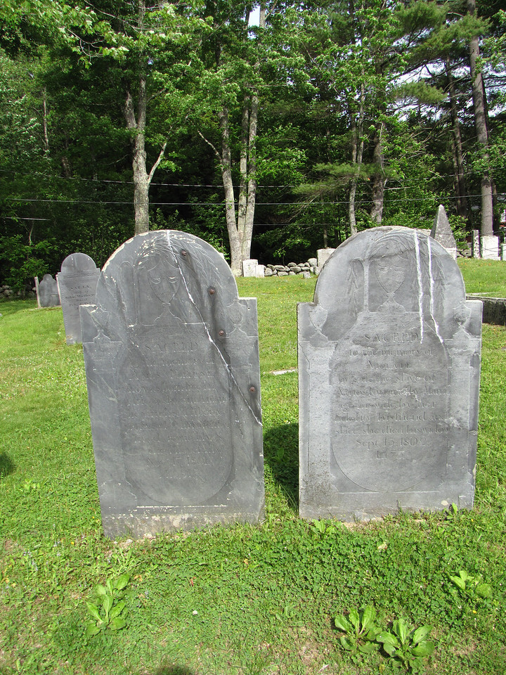 Amos & Violet Fortune graves.
