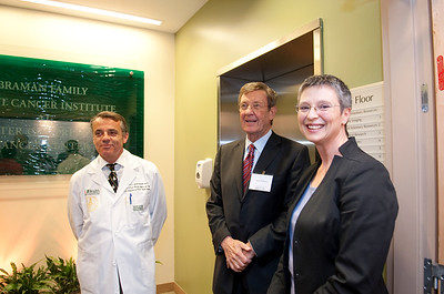111610_Ribbon_Cutting_BRB-Cancer_Center-4895