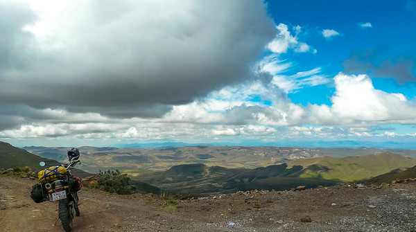 Right at the top of Mathabeng Pass looking towards Sehlabathebe