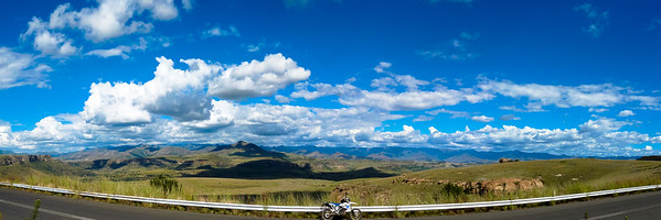 Surrender Hill between Clarens and Fouriesburg has some of the most amazing views into Lesotho
