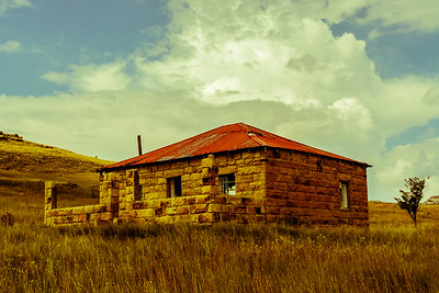 I came across an old abandoned farm house outside of the town of Clarens in the Freestate