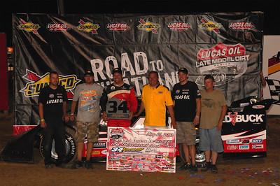 Earl Pearson, Jr. and crew in Victory Lane @ 34 Raceway