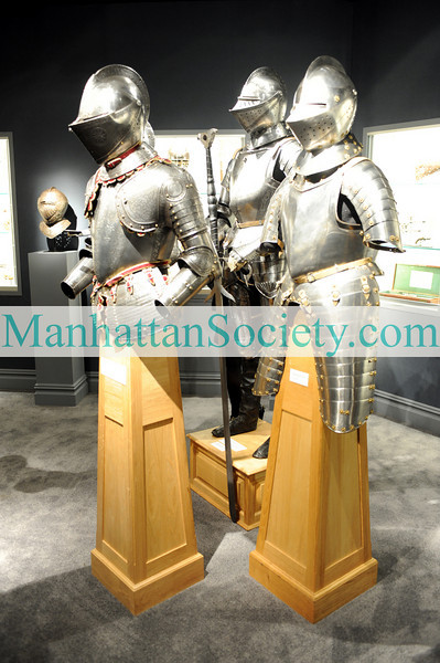 NEW YORK-JANUARY 21:  56th Annual Winter Antiques Show Opening Party to Benefit East Side House Settlement on Thursday, January 21, 2010 at the Park Avenue Armory, 643 Park Avenue (at 67th Street), New York City, NY (PHOTO CREDIT:  ©Manhattan Society.com 2010 by Christopher London)