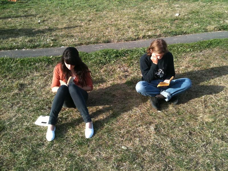 <b>Tori and Joe reading</b> <br>Seattle, WA <br>September 11, 2010