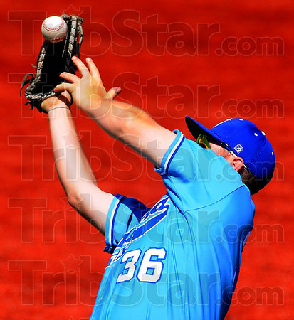 E-3: ISU firstbaseman Jake Hartley can't hang onto a pop fly in the ninth inning.