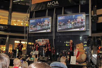 Teddy Bear Band at MOA