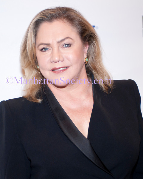 "CITYMEALS-ON-WHEELS Honors Diana Taylor & Kathleen Turner at 24th Annual ""Power Lunch For Women"""