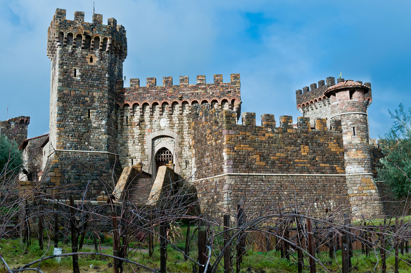 The Castle built by V. Sattui's owner almost bankrupt him several times. Now it's a tourist trap. It still looks pretty sweet. Castelli di Amorosa