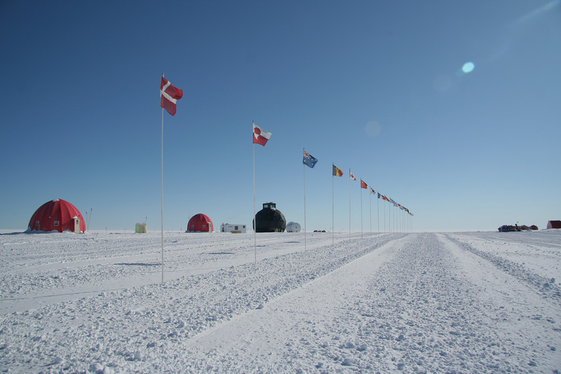 Flag line representing the 14 nations that collaborate on the project of NEEM<br /> <br /> Photo: Marie Kjaergaard