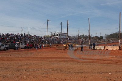 Crowd at Cherokee Speedway