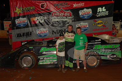 Jimmy Owens and car owner Mike Reece in Victory Lane @ Cleveland Speedway