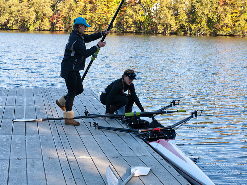 Abby and Isabel putting oars in