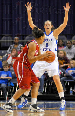 Big presence: Shannon Thomas defends agaisnt a SIU Edwardsville ballhandler Thursday night in Hulman Center.