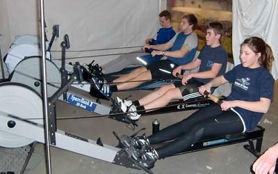 Vinter trening på romaskin i hall teltet