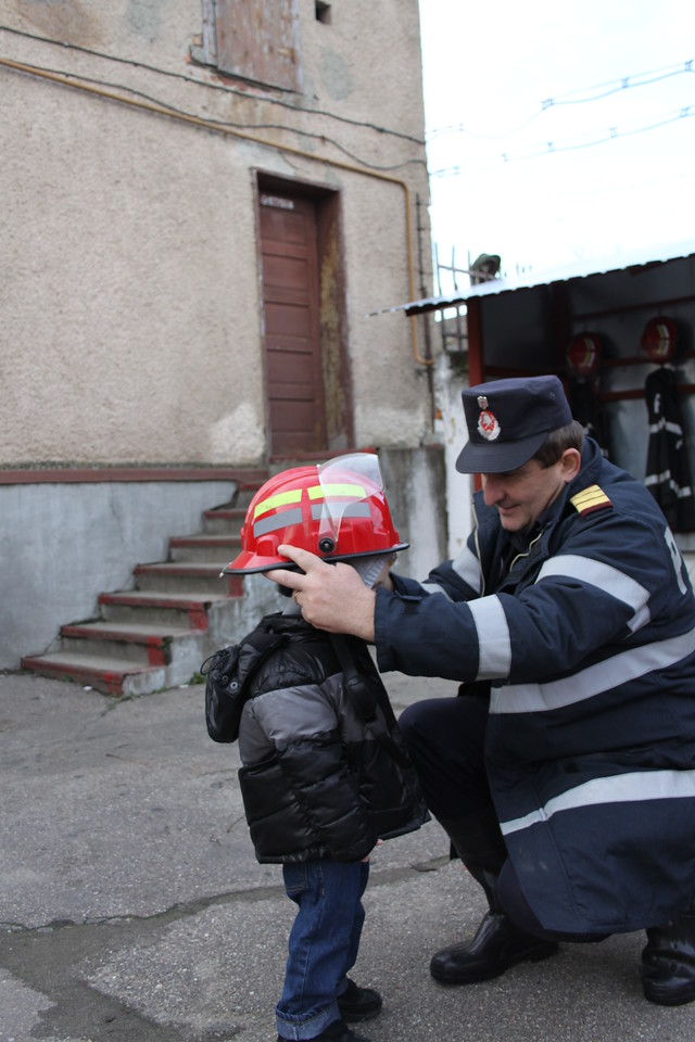 Wov, it is a real Fireman Sam helmet !!