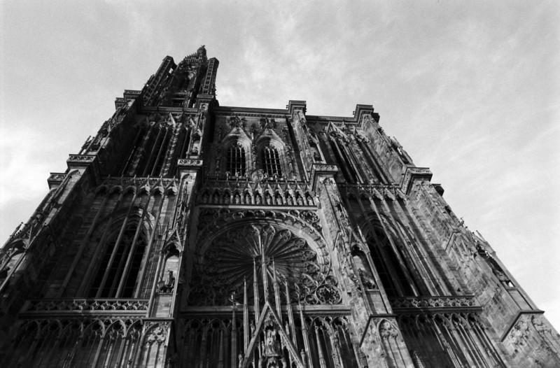 cathédrale notre-dame-de-strasbourg (472 ft.)