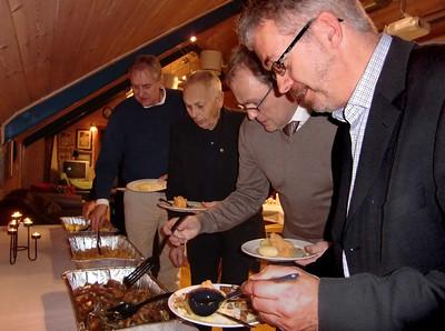 Pinnekjøt er en sikker vinner. Aksel, Olav, Harald og Einar.