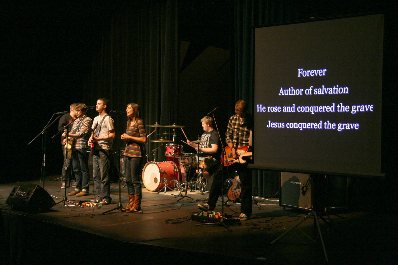The Verge Band closes the first service of the year Tuesday night.