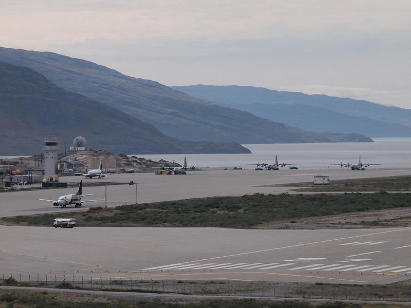 Kangerlussuaq international airport<br /> <br /> Photo: Kenji Kawamura