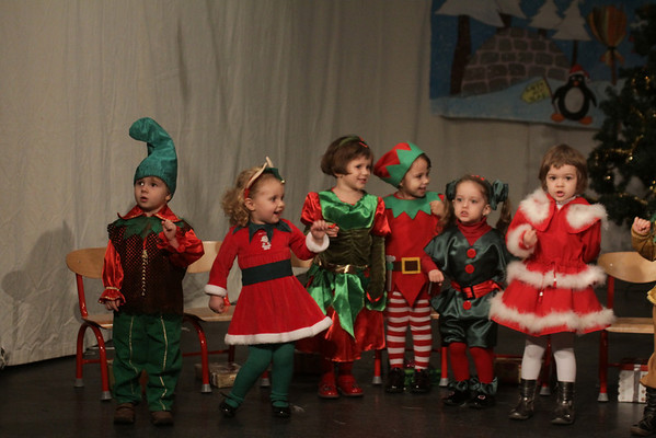 Little Elf - Kindergarden Show December 2010