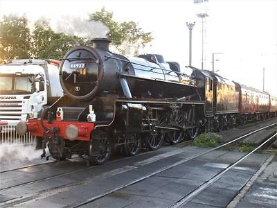 Black 5 4-6-0 44932 seen at Mitre Bridge Jct   25/09/10