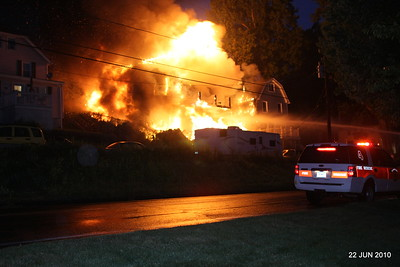 20100622-milford-conn-house-fire-55-edgefield-ave-pic-08