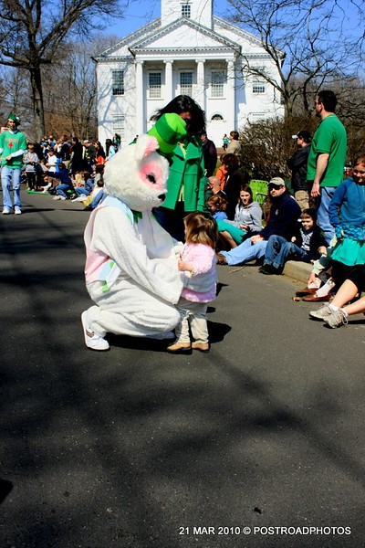 20100321_milford_conn_st_patricks_day_parade_27_easter_bunny