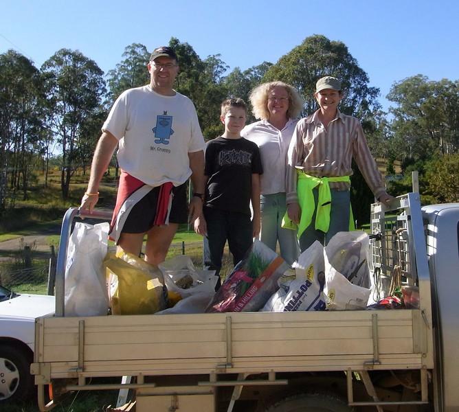 Clean up Glenn's Ck Rd Day - 4 June 2010 L to R: Trevor, Chris, Pamela, Toni