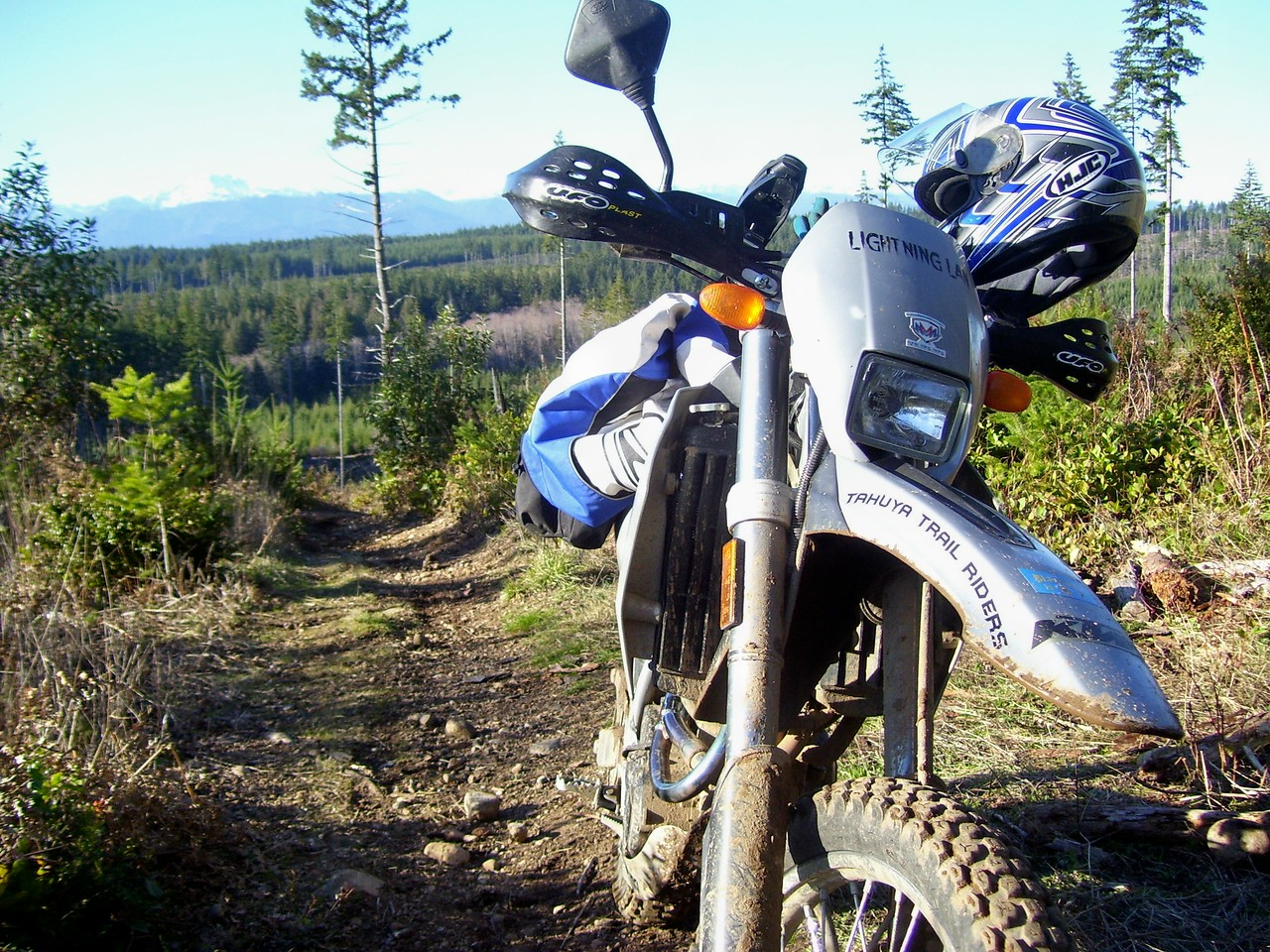 At the top of an old skid trail that connects to Raines Grade trail... Lan's KTM LC4