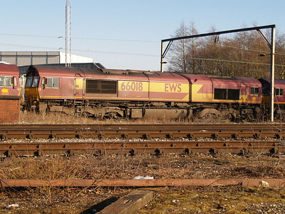 66018 in convoy comimg through Crewe South Yard from Basford Hall.