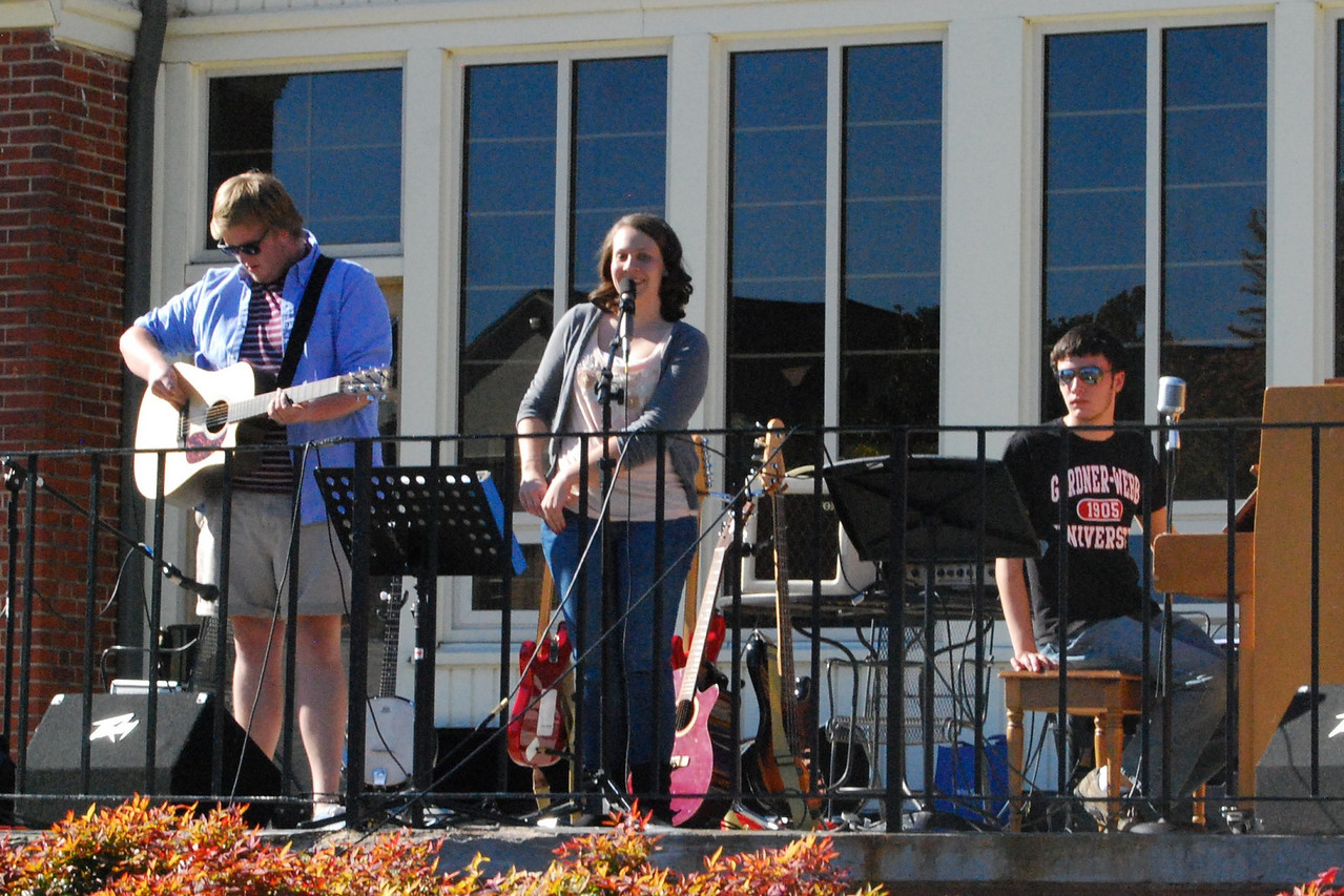 """A hightlight of the day, Jessica Greer, came out to sing some songs from her recently released EP, """"Jessica Marie."""""""