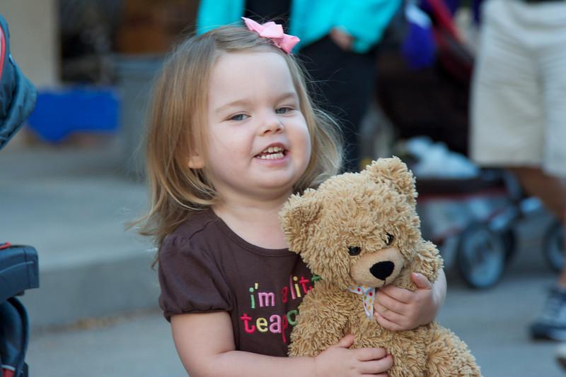 Bizzy Bear goes to the Farmer's Market