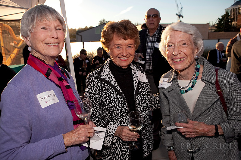 l to r: Jeanne Levy, Jeannette Nichols and Ruth Moss