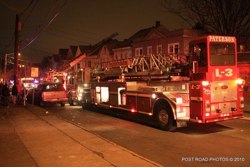 20100311-patterson-new-jersey-house-fire-north-5th-st-near-jefferson-post-road-photos-023