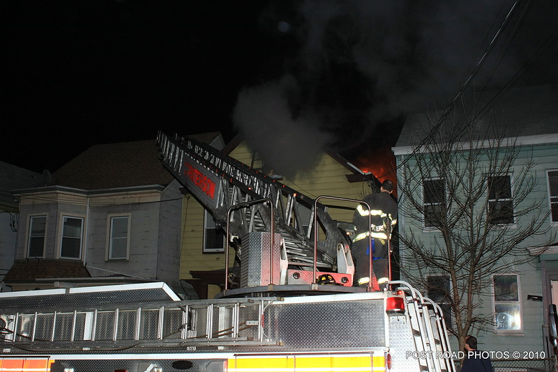 20100311-patterson-new-jersey-house-fire-north-5th-st-near-jefferson-post-road-photos-001