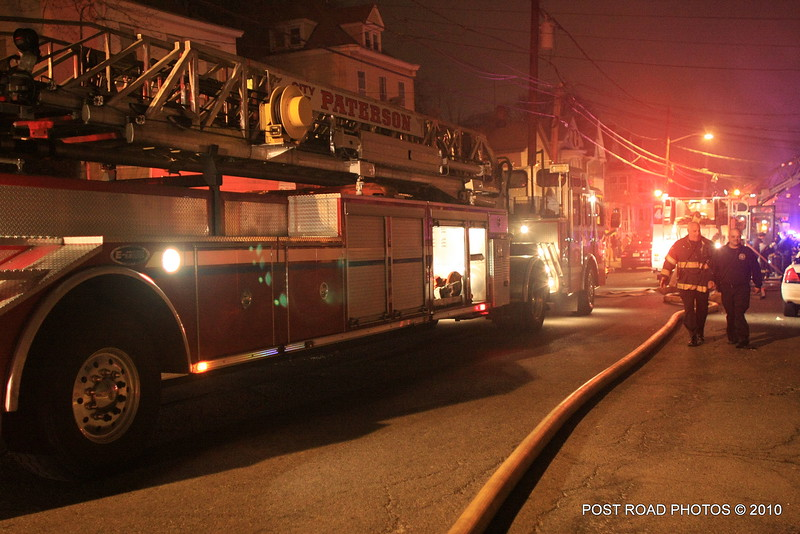 20100311-patterson-new-jersey-house-fire-north-5th-st-near-jefferson-post-road-photos-017