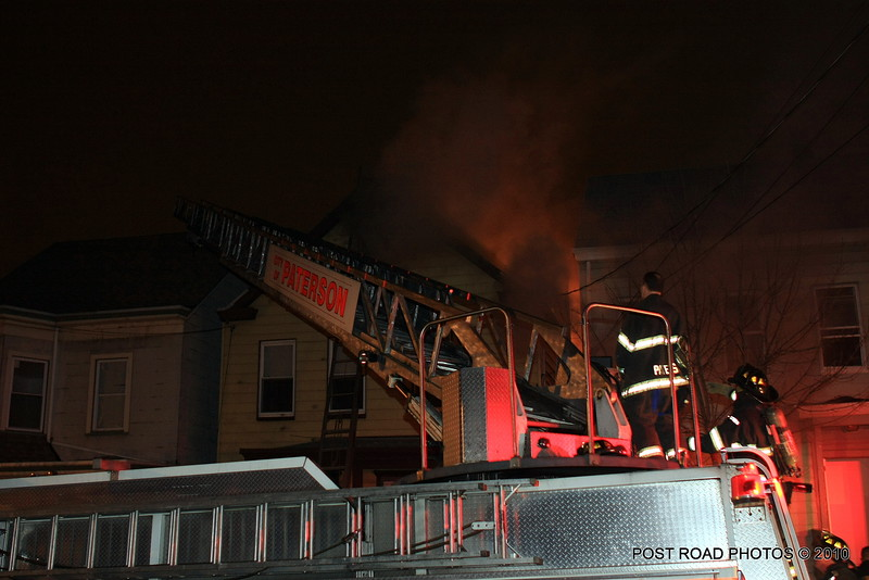 20100311-patterson-new-jersey-house-fire-north-5th-st-near-jefferson-post-road-photos-003