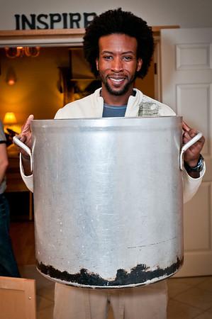 We found a *gigantic* chili pot!