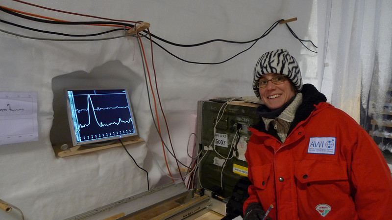 A volcanic spike in the electrical conductivity<br /> <br /> Photo: Sepp Kipfstuhl