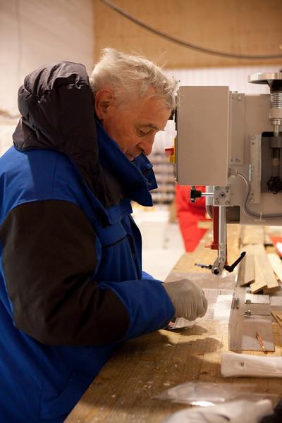Cutting the ice<br /> <br /> Photo: Tim Burton