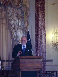 Vint Cerf delivers a greeting